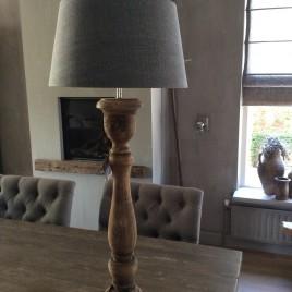 Lampen landelijk en sober wonen - Houten drie voet lamp ...
